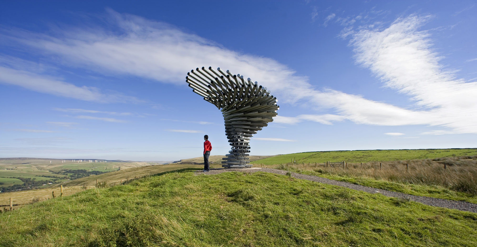 Singing-Ringing-Tree-designed-by-Tonkin-Liu-2006-commissioned-by-Mid-Pennine-Arts.-Photo-Ian-Lawson